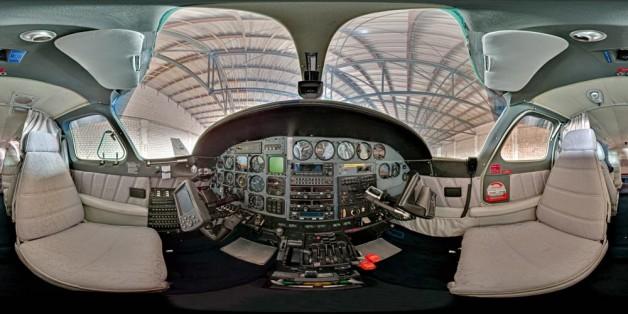Cessna 303